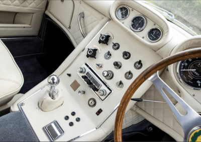 1964 Gordon-Keeble Coupé détail de la console centrale - Goodwood Bonhams 2019