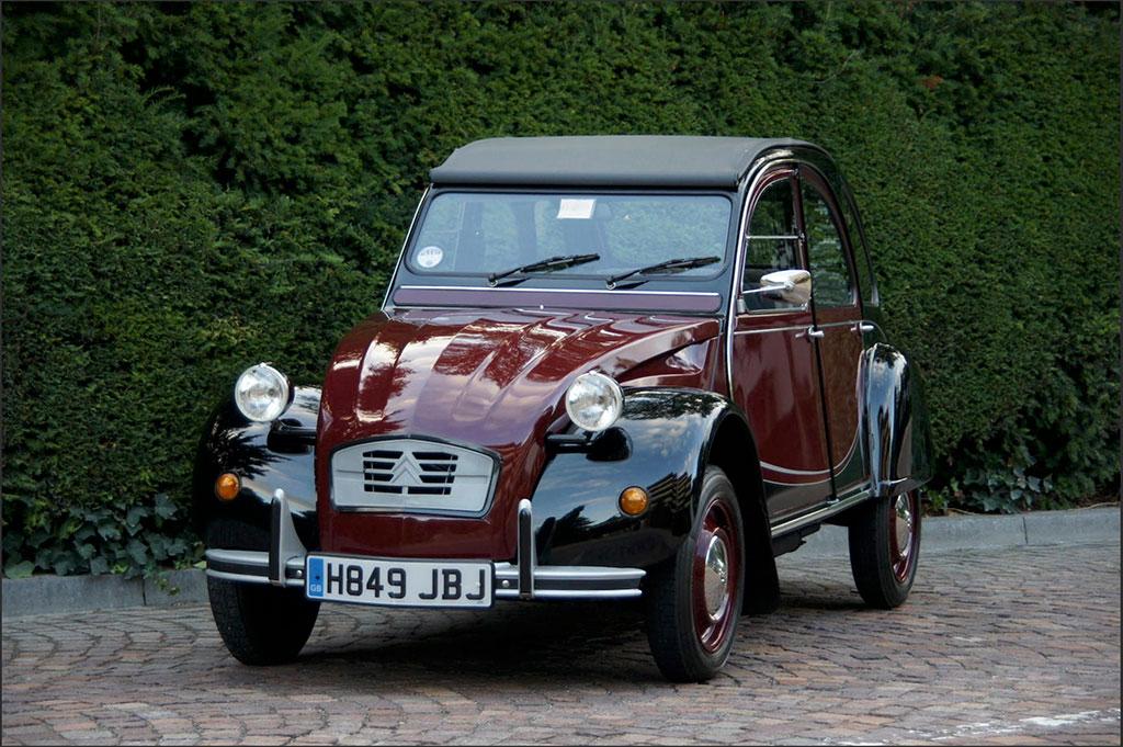 1989 Citroën 2CV6 Charleston – CHF 20 550 – Chantilly Bonhams