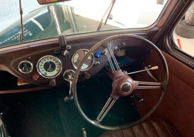 1947 Morris Eight vue tableau de bord