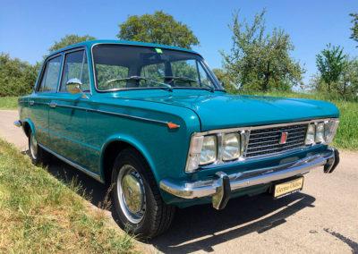 1969 Fiat 125 vue trois quarts avant droit