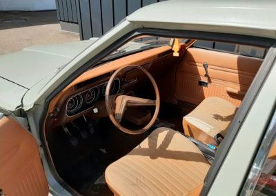 1971 Ford Taunus vue intérieure