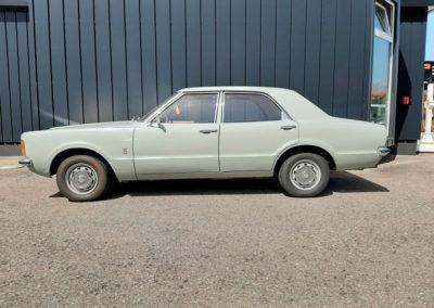 1971 Ford Taunus vue latérale côté gauche