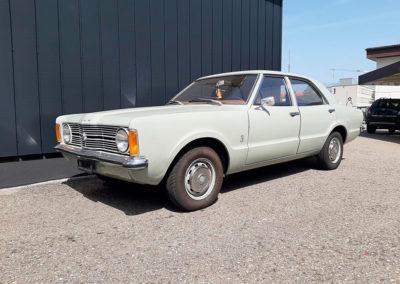 1971 Ford Taunus vue trois quarts avant côté gauche