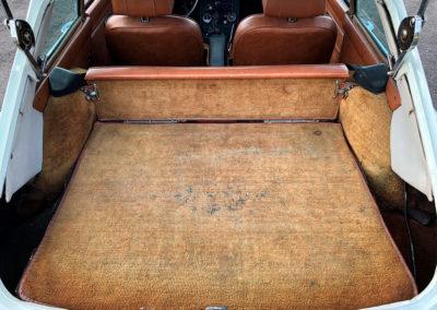 1975 MG B vue du coffre arrière