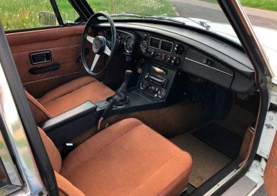 1975 MG B vue tableau de bord et intérieur