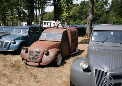 Citroën 2CV fourgonnette customisée vue avant