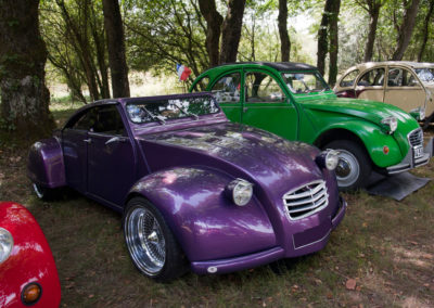 Citroën 2CV revu et corrigée style coupé très customisée face avant