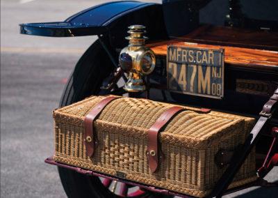1908 Oldsmobile Limited Prototype encore une malle en osier - Hershey Auction.