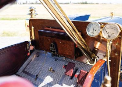1908 Oldsmobile Limited Prototype peu de manomètres à surveiller - Hershey Auction.