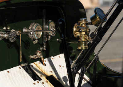 1908 Stanley Model M Five-Passenger Touring détail de l'instrumentation - Hershey Auction.