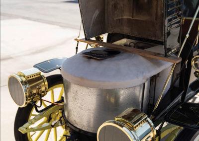 1908 Stanley Model M Five-Passenger Touring le réservoir d'eau - Hershey Auction.