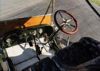 1908 Stanley Model M Five-Passenger Touring poste de conduite - Hershey Auction.