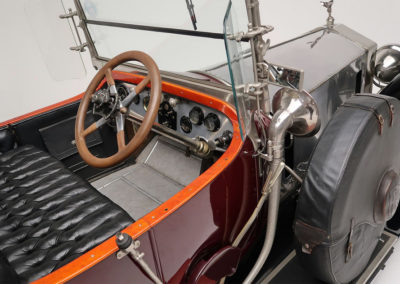 1920 Rolls-Royce Silver Ghost vue du poste de conduite.