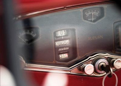 1929 Auburn 120 Eight Speedster détail du compteur de vitesse - Hershey Auction.