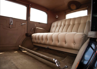 1931 Duesenberg Model J Limousine by Willoughby invitation à une voyage confortable - Hershey Auction.
