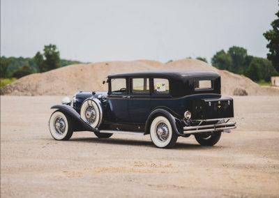 1931 Duesenberg Model J Limousine by Willoughby vue trois quarts arrière gauche - Hershey Auction.