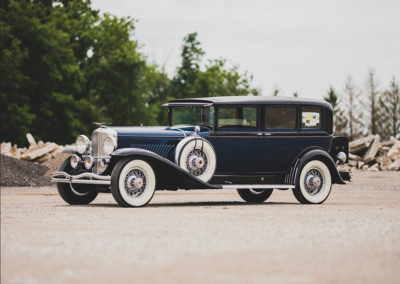 1931 Duesenberg Model J Limousine by Willoughby vue trois quarts avant gauche - Hershey Auction.