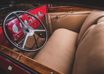 1931 Marmon Sixteen Coupe by LeBaron poste de conduite - Hershey Auction.