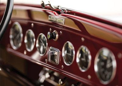 1931 Marmon Sixteen Coupe by LeBaron tableau de bord plus que complet - Hershey Auction.