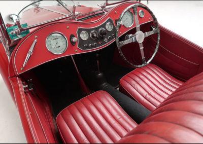 1949 MG TC vue intérieure.