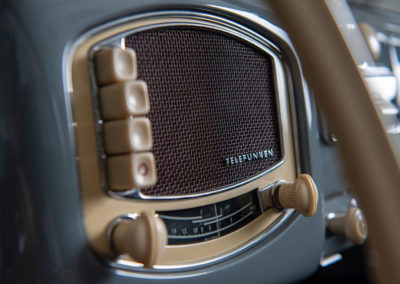 1952 Porsche 356 Cabriolet Gläser détail de la radio Telefunken - Taj Ma Garaj.