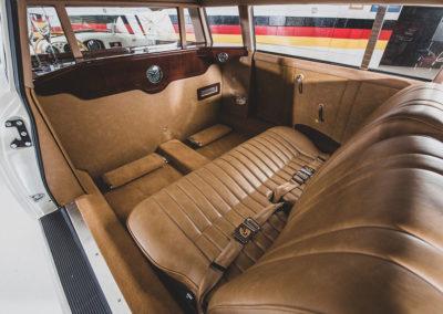 1953 Porsche 356 Limousine Custom vue du compartiment arrière - Taj Ma Garaj.