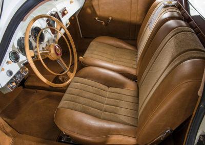 1953 Porsche 356 Limousine Custom vue partie intérieure avant - Taj Ma Garaj.