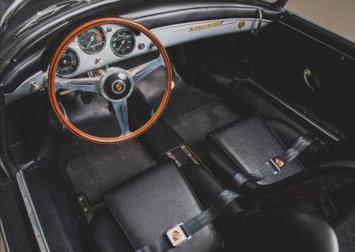 1957 Porsche 356 A Carrera GT Speedster Reutter vue de la partie avant - Taj Ma Garaj.