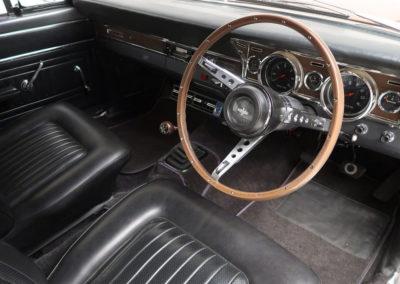 1967 Ford Falcon XR GT sedan tableau de bord.