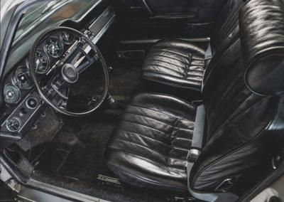 1967 Porsche 911 S Coupe vue de l'intérieur en cuir noir - Taj Ma Garaj.