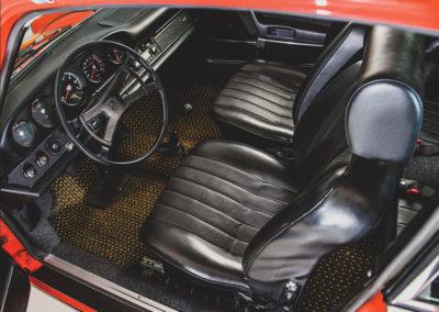 1969 Porsche 912 Coupé Karmann intérieur en cuir noir - Taj Ma Garaj.