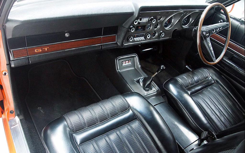 Ford Falcon XY GT de 1971 cartonne à Melbourne