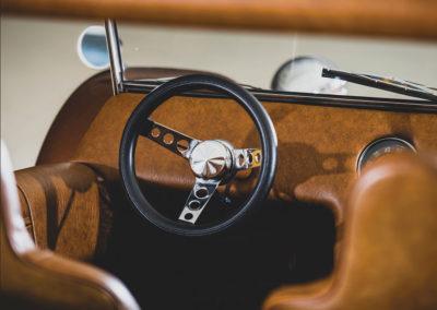 1971 Mangosta Sport Buggy tableau de bord minimum - Taj Ma Garaj.