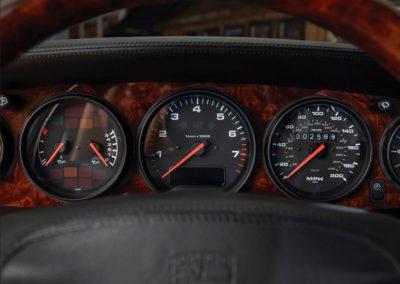 1997 Porsche 911 Turbo Coupe détail des compteurs - Taj Ma Garaj.