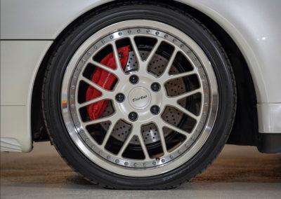 1997 Porsche 911 Turbo Coupe jantes spéciales pour cette Turbo - Taj Ma Garaj.