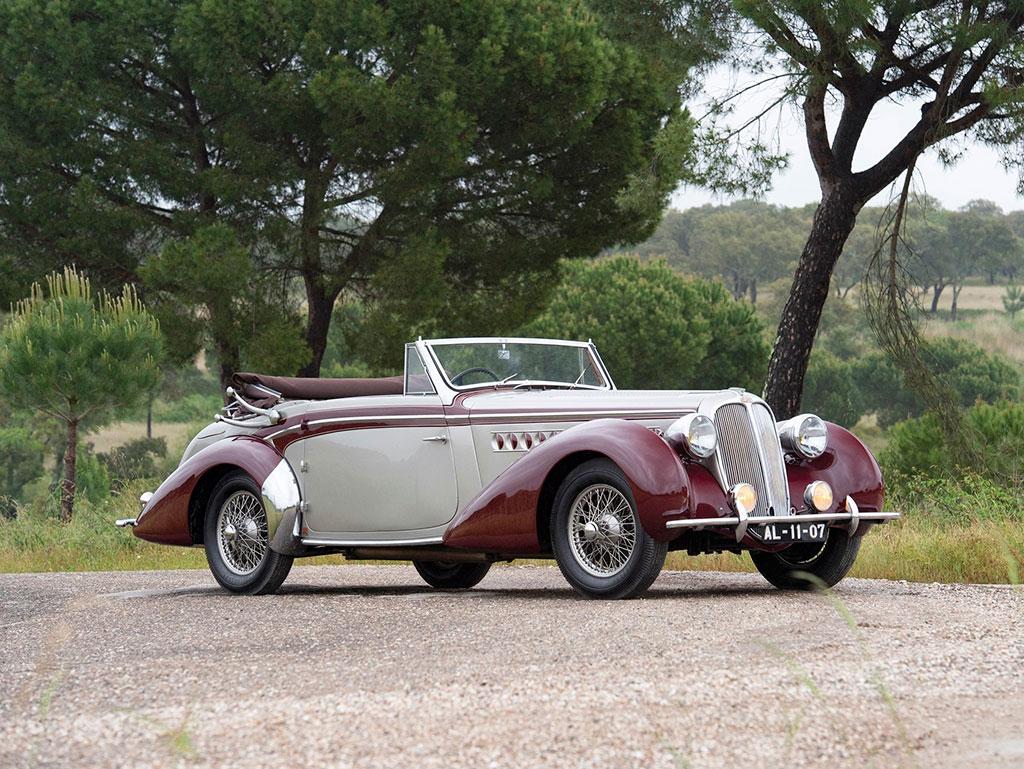 1939 Delahaye 135M Cabriolet par Chapron - Sold for € 331 250.