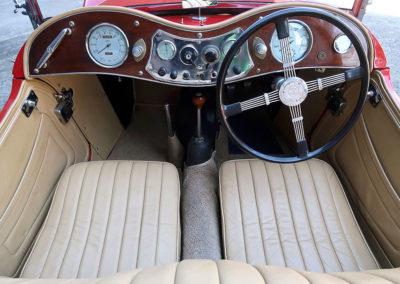 1947 MG TC Roadster tableau de bord estimation AUD 30,000-40,000.