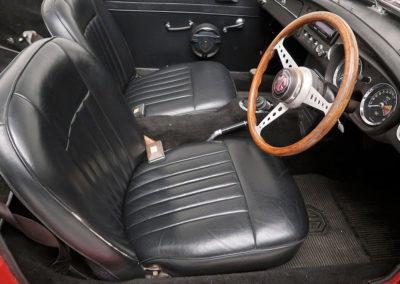 1963 MGB Mk1 Series 1 Roadster poste conduite estimation AUD 16,000-20,000.