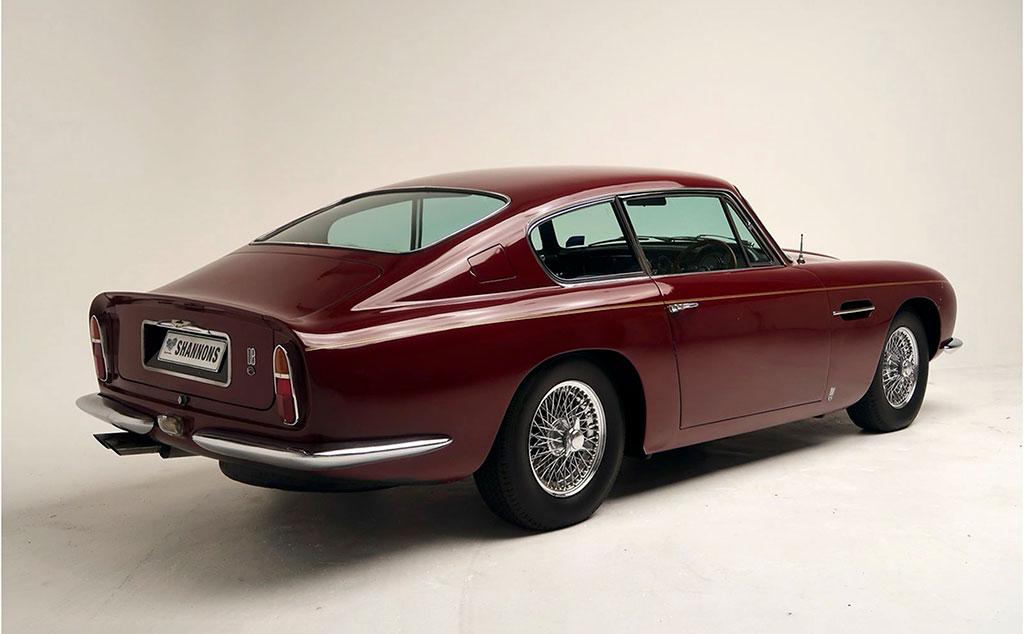 1968 Aston Martin DB6 Coupé vue trois quarts arrière droit estimation AUD 440,000-480,000.
