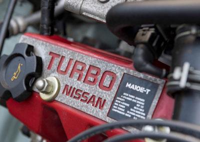 1991 Nissan Figaro confirmation que le moteur possède un turbo.