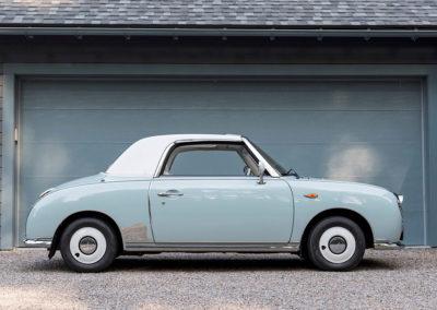 1991 Nissan Figaro vue latérale côté droit.