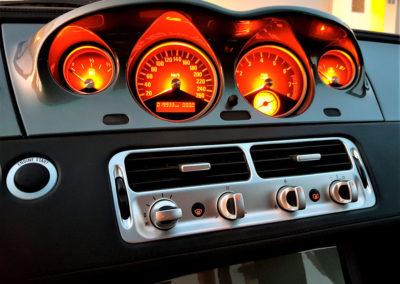 BMW Z8 éclairage de nuit des compteurs au centre du tableau de bord