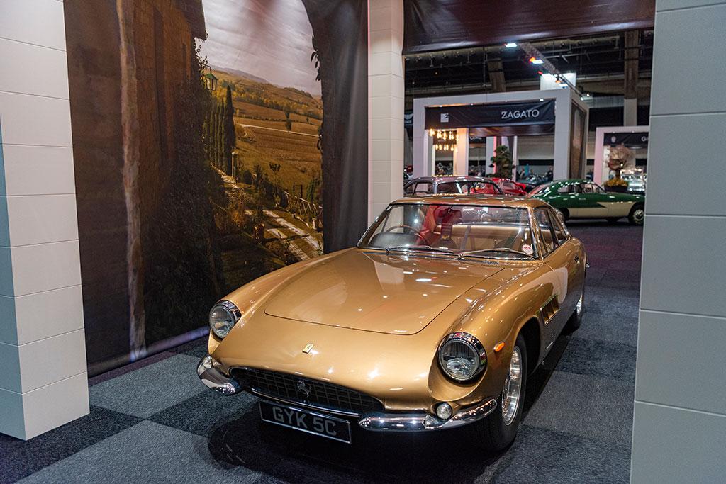1964 Ferrari 500 Superfast ex-Peter Sellers vue trois quarts avant gauche - Carrozzeria Pininfarina.