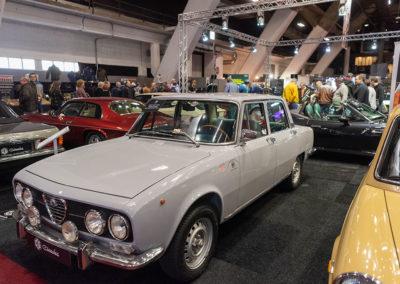 1972 Alfa Romeo 200 Berlina vue trois quarts avant gauche - COG Classics