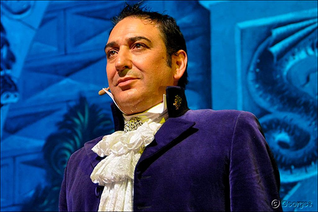 Dani Lary, illusionniste et magicien, est présent à Avignon Motor Festival.