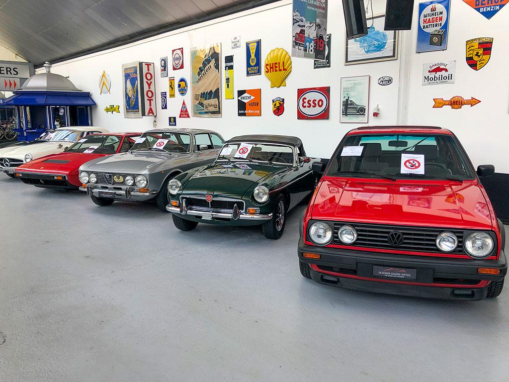Les enchères à Toffen proposent plus de 80 voitures de collection le 28 mars 2020.