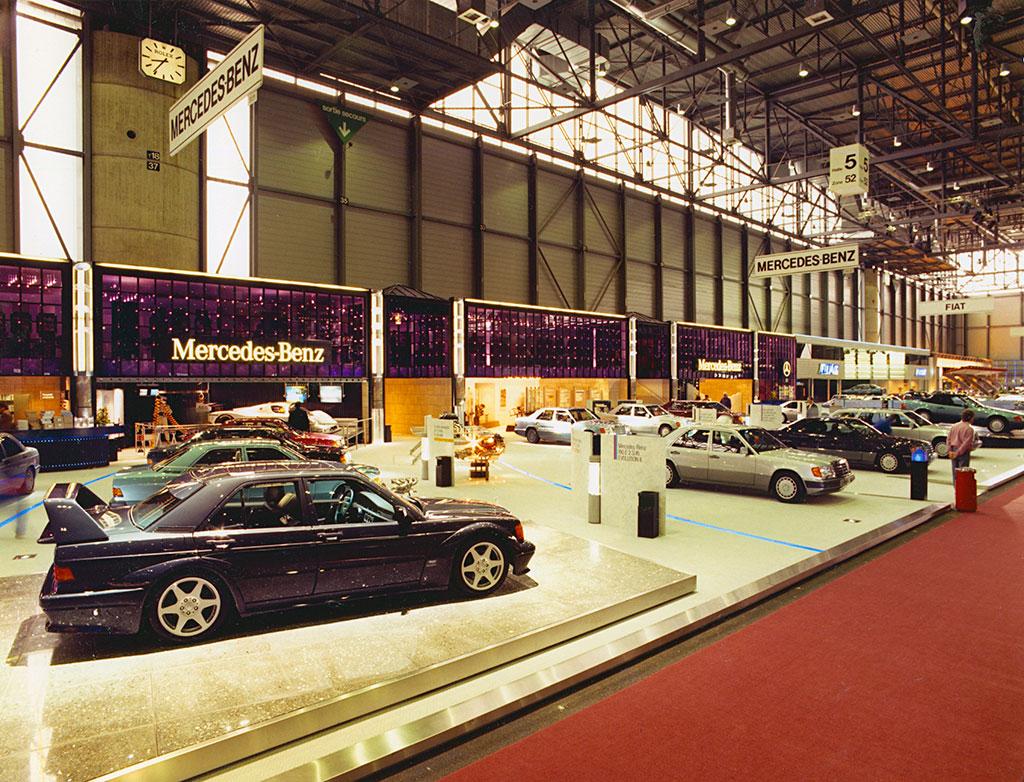 1990, la 2.5-16 EVO II en premiere mondiale au Salon de Geneve.