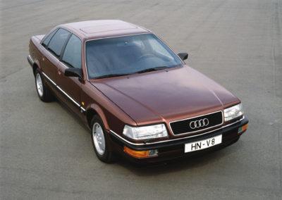 1991 Audi V8 en concurrence avec la Mercedes-Benz 560 SEL.