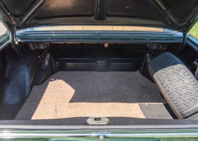 Mercedes-Benz 300 SEL 6.3 W109 - coffre de grande capacité pour les bagages de 4 personnes.