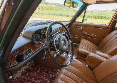 Mercedes-Benz 300 SEL 6.3 W109 - Volant Bakélite des années 70 jante mince.